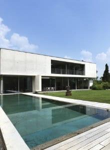 betonnen zwembad