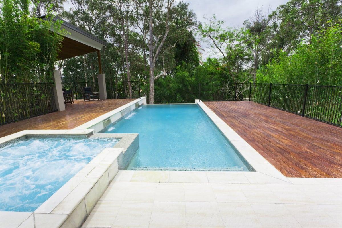 bouwkundig zwembad