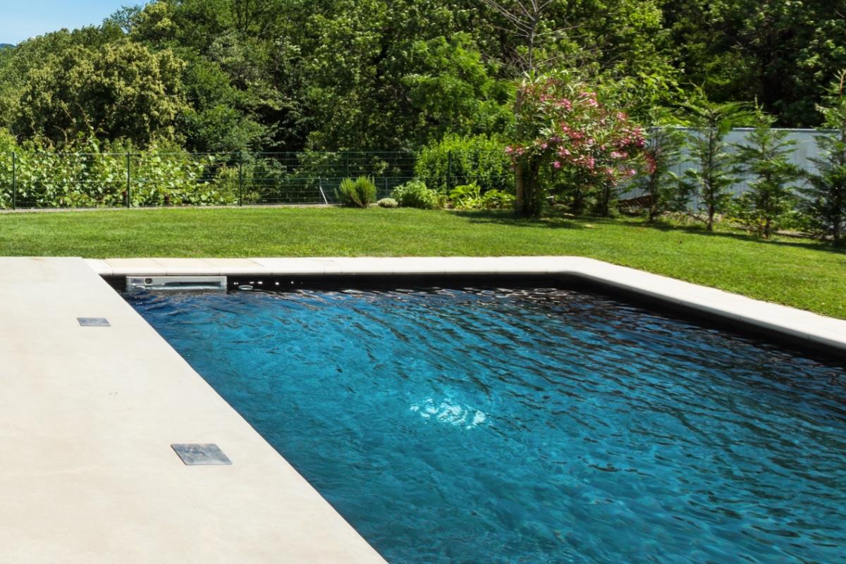 zwembad zonder zwembadafdekking